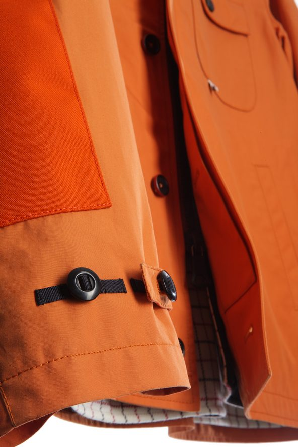 BiondoEndurance_HeavyDuty_GB_0006_Jacket-Short_Orange_Sleeve_Patches_Adjuster