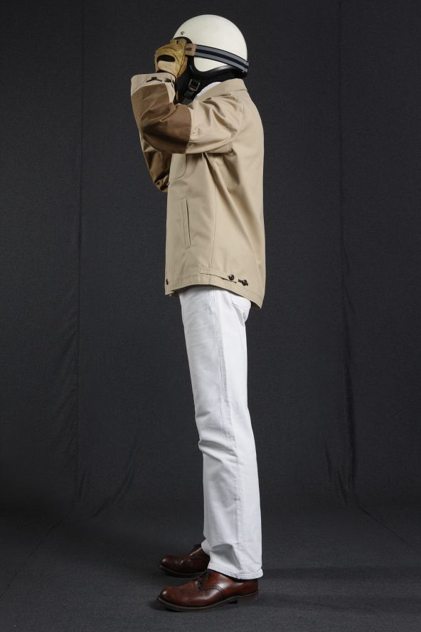 BiondoEndurance_HeavyDuty_GB_0006_Jacket-Short_Sand_Portrait_Side