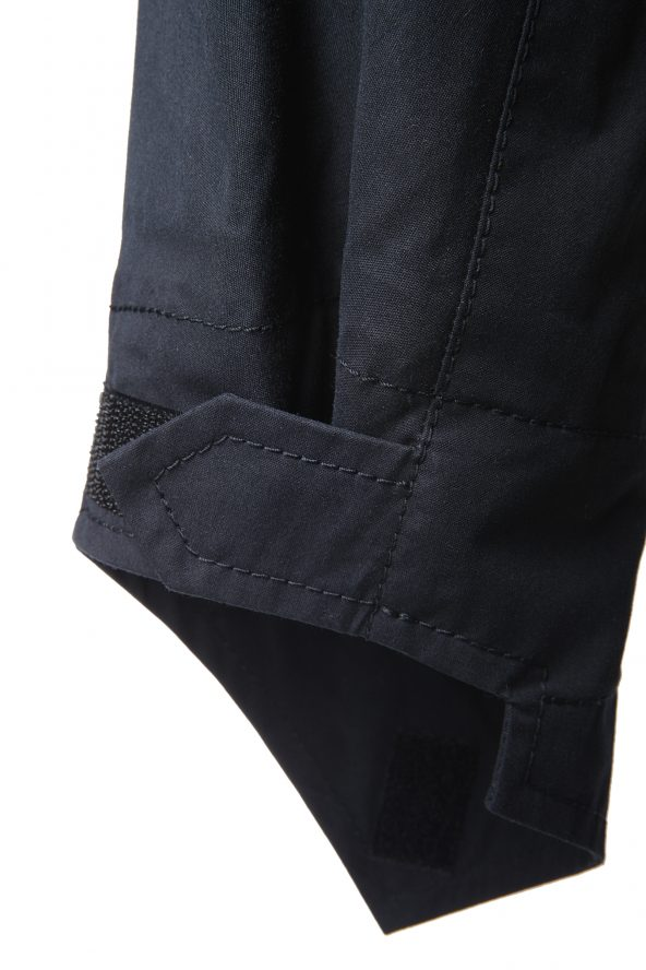 BiondoEndurance_HeavyDuty_GL_0003_Jacket-Field_DkNavy_Adjustable_Cuffs