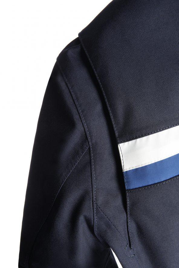 BiondoEndurance_Motorräder_GB_0003_Short-Jacket_DeepBlue_Back_Yoke