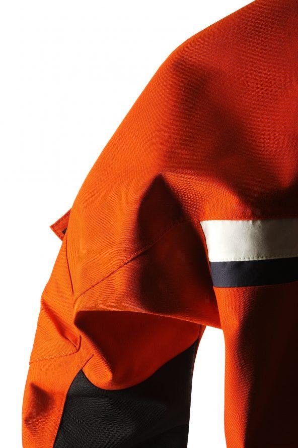 BiondoEndurance_Motorräder_GB_0008_Short-Jacket_MoroccoOrange_Back_Yoke