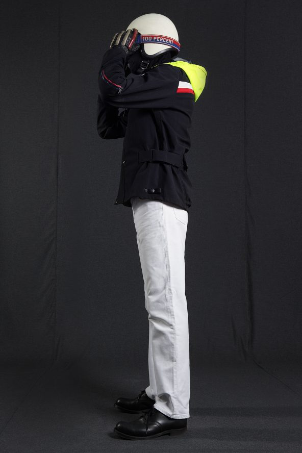 BiondoEndurance_Motorräder_GB_0009_Jacket-Mid-MkI_BlackCordura_Portrait_Side