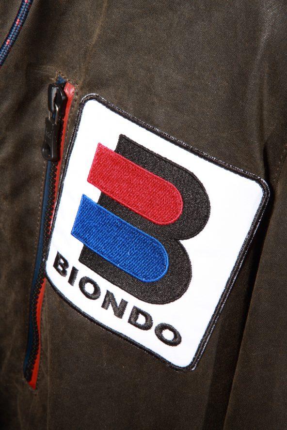 BiondoEndurance_Motorräder_GB_0014_Jacket-Mid-MkII_KhakiBrown_Chest_Patch