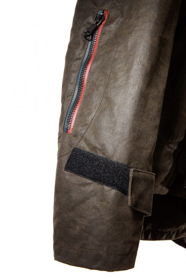 BiondoEndurance_Motorräder_GB_0014_Jacket-Mid-MkII_KhakiBrown_Sleeve_Detail
