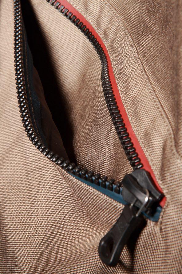 BiondoEndurance_Motorräder_GLT_004_Vest_HD-FawnCordura_Chest_Zipper_Pocket