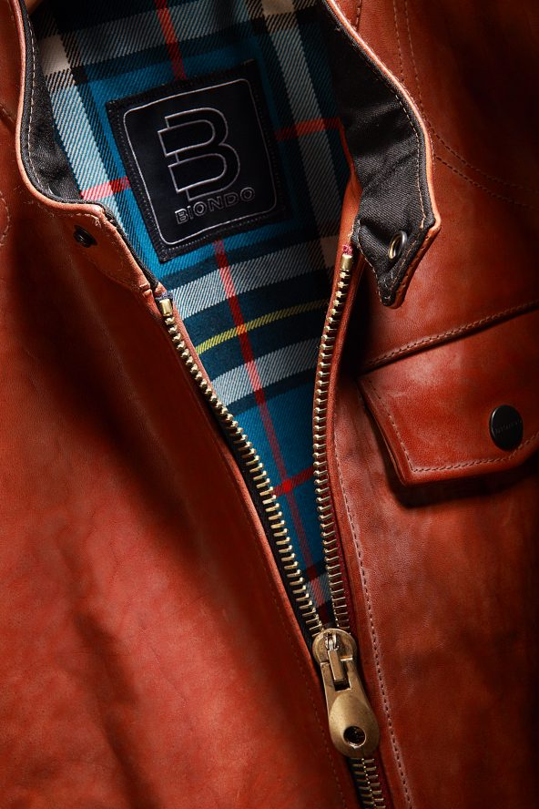 BiondoEndurance_Motorräder_LGB_005_Leather-Jacket_Tobacco_Portrait_Front_Opening