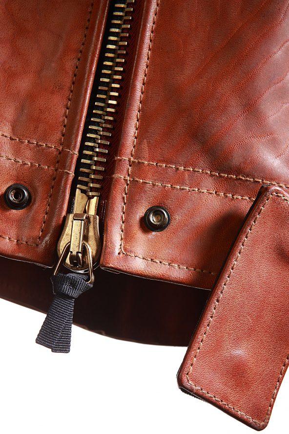 BiondoEndurance_Motorräder_LGB_005_Leather-Jacket_Tobacco_Portrait_Front_Zipper