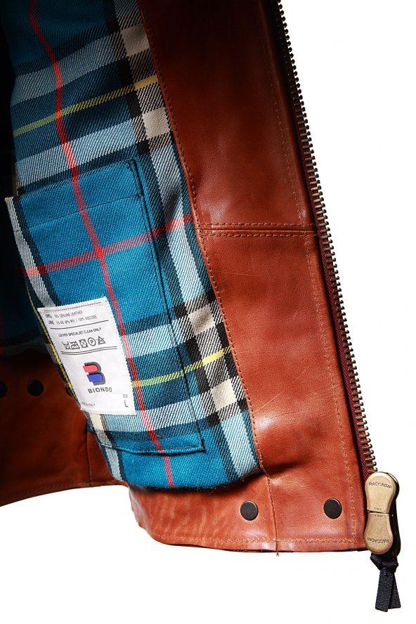 BiondoEndurance_Motorräder_LGB_005_Leather-Jacket_Tobacco_Portrait_Lining_Tabs