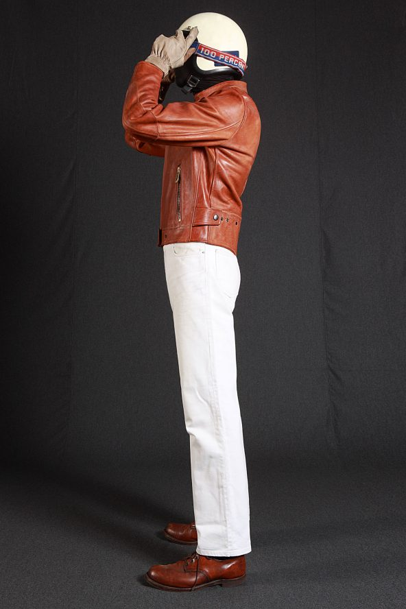 BiondoEndurance_Motorräder_LGB_005_Leather-Jacket_Tobacco_Portrait_Side