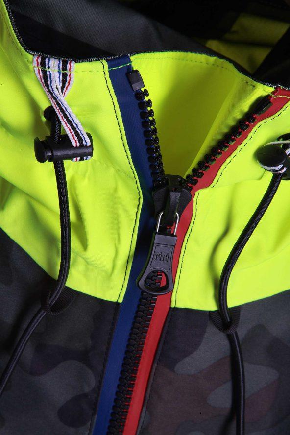 BiondoEndurance_SaltyDog_GL_0011_EmergencyCag_Vert._Hood_Zipper