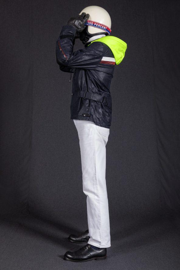 BiondoEndurance_Motorräder_GB_0009_Jacket-MkIII_NavyBlue_CottonCanvas_Portrait_Side