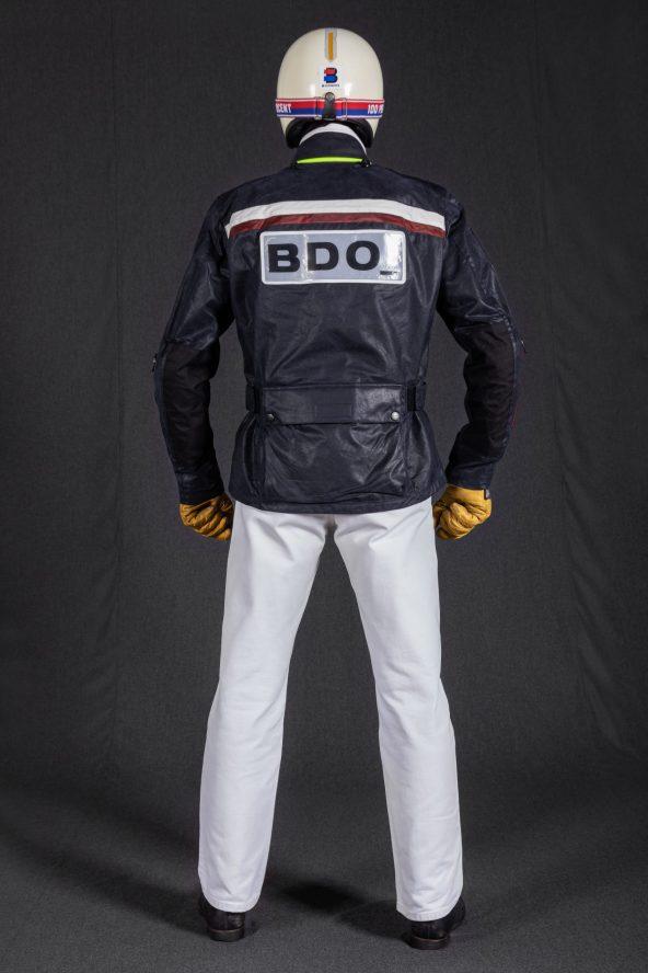 BiondoEndurance_Motorräder_GB_0009_Jacket-MkIII_RacingUnit_NavyBlue_CottonCanvas_Portrait_Back
