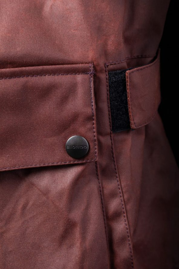 BiondoEndurance_Motorräder_GB_0009_Jacket-OxBlood_Jasta11_Back_Tool-Pocket