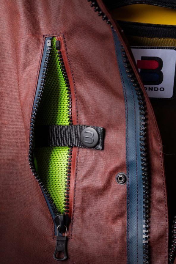 BiondoEndurance_Motorräder_GB_0009_Jacket-OxBlood_Jasta11_Chest_Air-Thru_Pocket