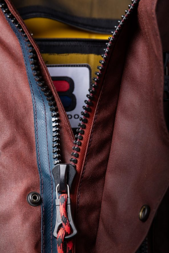 BiondoEndurance_Motorräder_GB_0009_Jacket-OxBlood_Jasta11_Front_Opening