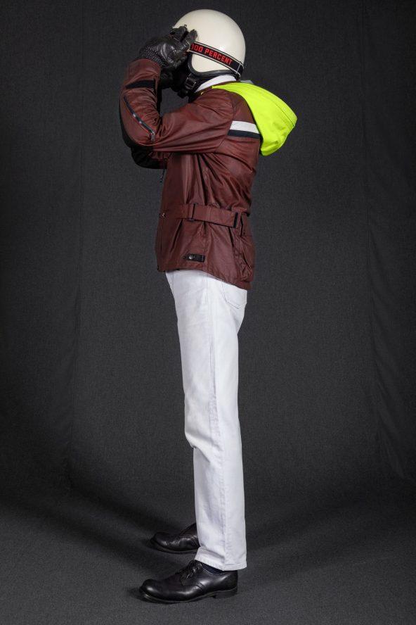 BiondoEndurance_Motorräder_GB_0009_Jacket-OxBlood_Jasta11_Portrait_Side