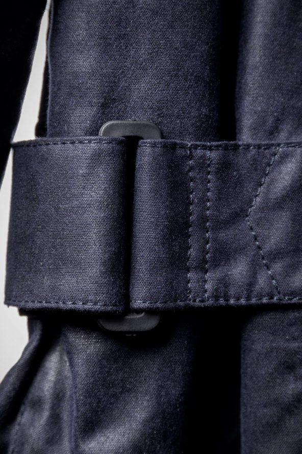 BiondoEndurance_Motorräder_GB_0009_Jacket-MkIII_NavyBlue_CottonCanvas_Side_Adjusters