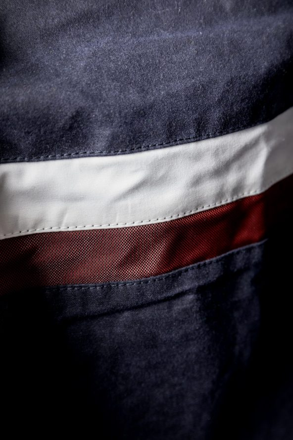 BiondoEndurance_Motorräder_GB_0009_Jacket-MkIII_NavyBlue_CottonCanvas_Back_Stripes